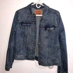 LEVIS Blue Denim Jacket (size L)